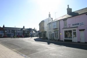 Shopping-in-Southwold-Suffolk